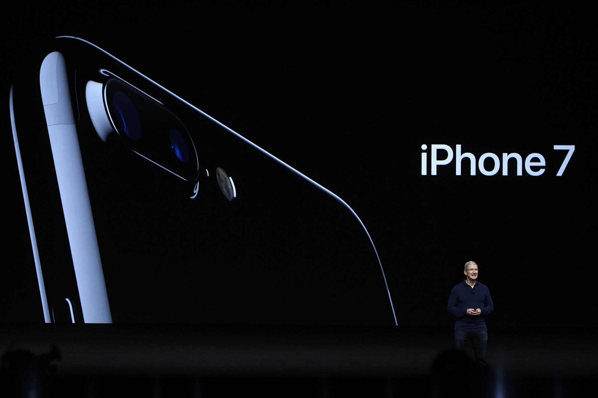 Apple CEO TIM COOK  discusses the iPhone 7 during an Apple media event on September 7, 2016 in San Francisco, Calif.  (Xinhua/Zuma Press/TNS)